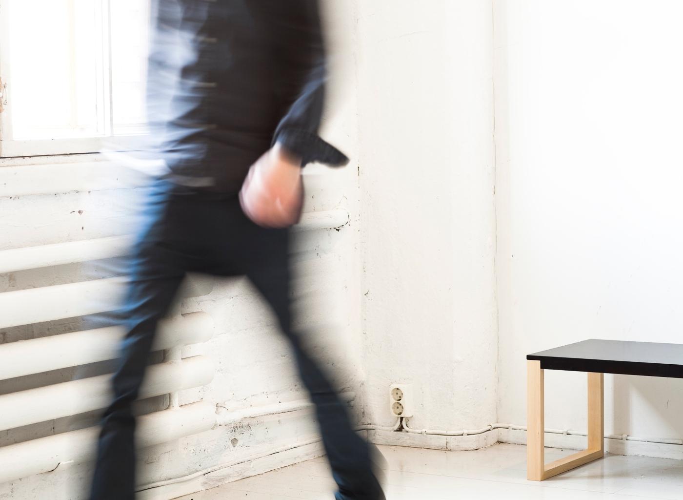 Design-Onni Aho-pöytä
